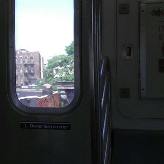 Photo taken at MTA Subway - Fordham Rd (4) by Jeff on 6/22/2013