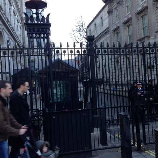 Photo taken at 10 Downing St. by Natacha H. on 12/16/2012