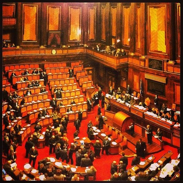 Senato della repubblica capitol building in parione for Senato della repubblica diretta