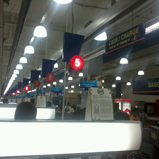 Photo taken at Shopwise by Noel S. on 1/7/2013