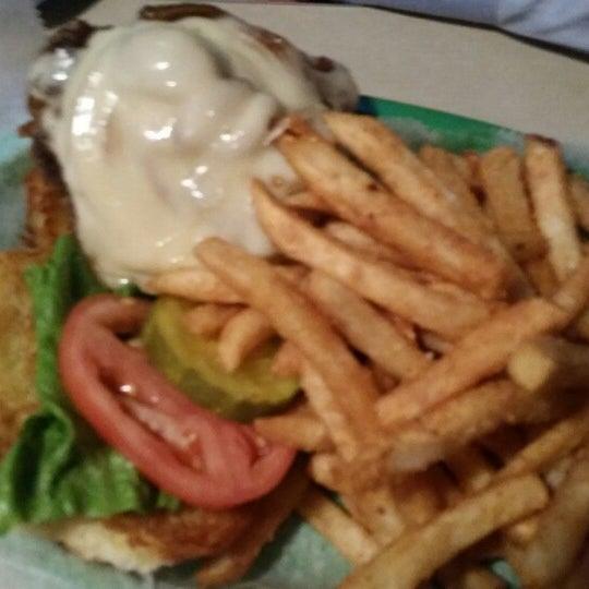 Photo taken at Tune Inn Restaurant & Bar by Pegah Y. on 3/8/2015