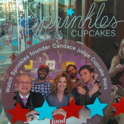 Photo taken at Sprinkles Cupcakes by Humphrey C. on 6/27/2012