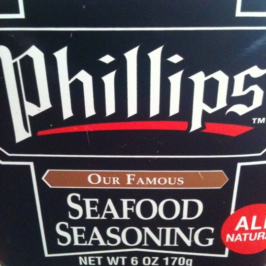 Photo taken at Phillips Seafood by TJ S. on 4/27/2012