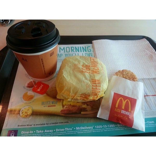 Photo taken at McDonald's by Pauline M. on 4/13/2015