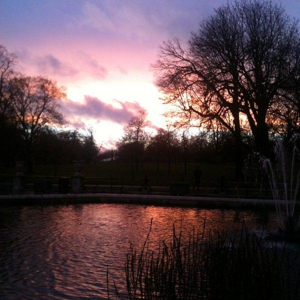 Photo taken at Kensington Gardens by Vivian L. on 11/21/2012
