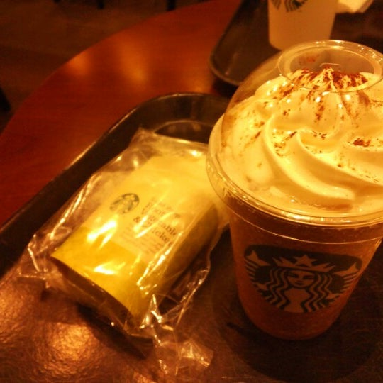 Photo taken at Starbucks Coffee ひたち野うしく店 by ももこ on 2/2/2013