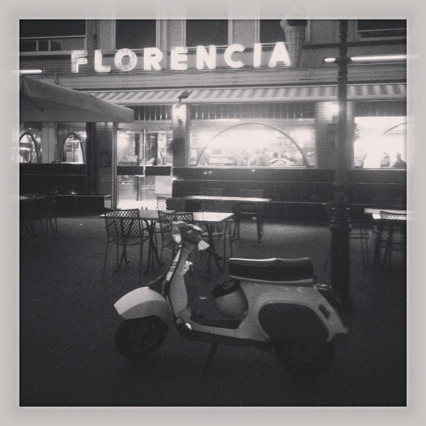 Photo taken at Florencia by Eelco C. on 9/1/2013