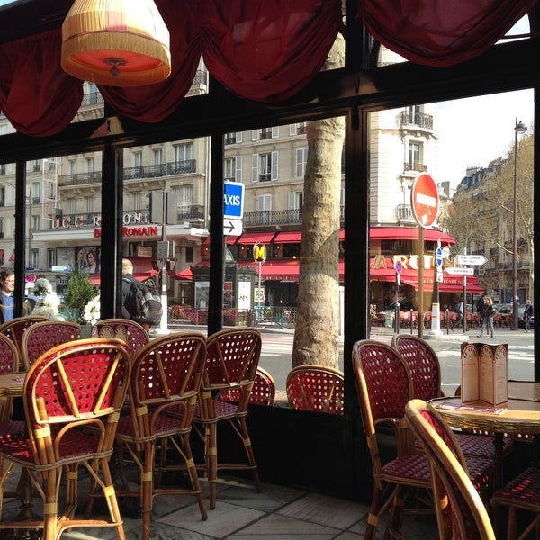 Photo taken at Le Bistrot du Dôme by Rick L. on 4/20/2013
