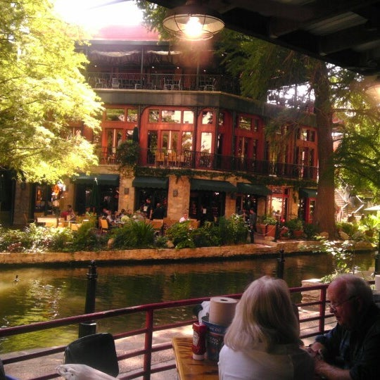 Joe's Crab Shack - San Antonio River Walk
