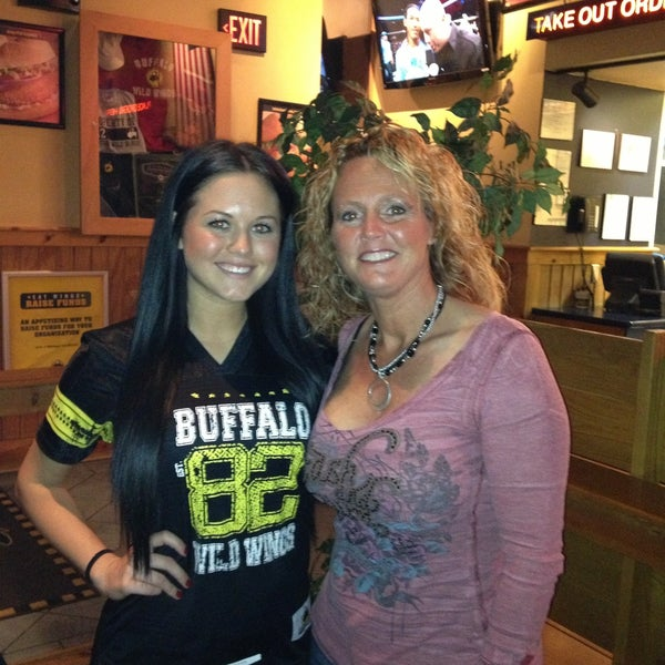 Photo taken at Buffalo Wild Wings by Valerie on 4/21/2013