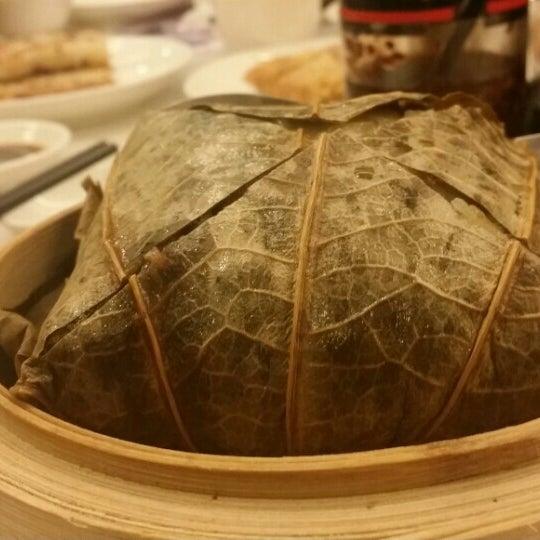 Photo taken at Crystal Jade Kitchen 翡翠小厨 by Steve L. on 7/14/2015