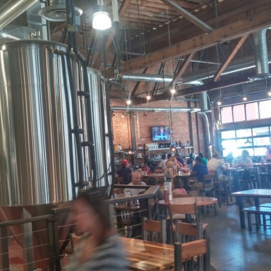 Photo taken at 10 Barrel Brewing by Geoff S. on 7/7/2014