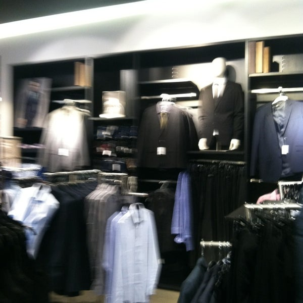 Photo taken at H&M by Bluke R. on 3/30/2013