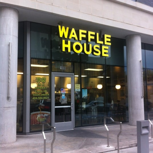 Photo taken at Waffle House by Sarah on 10/12/2012