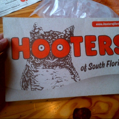 Photo taken at Hooters by Aiante C. on 7/17/2013