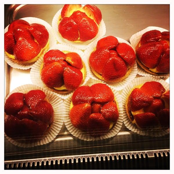 Photo taken at Almondine Bakery by MoRiza on 3/23/2016