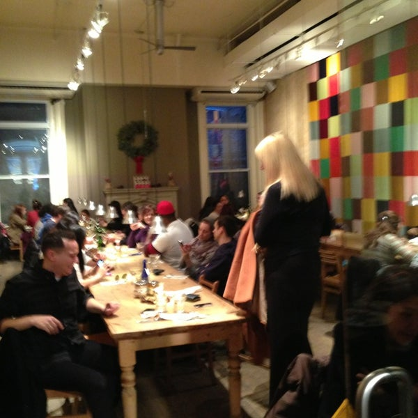 Photo taken at Le Pain Quotidien by Roadbat on 12/28/2012