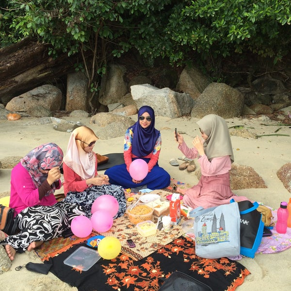 Photo taken at Teluk Bahang Beach by Jaja S. on 4/19/2015