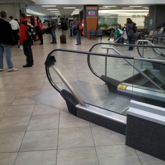 Photo taken at Saskatoon John G. Diefenbaker International Airport (YXE) by Jonatan U. on 10/20/2012