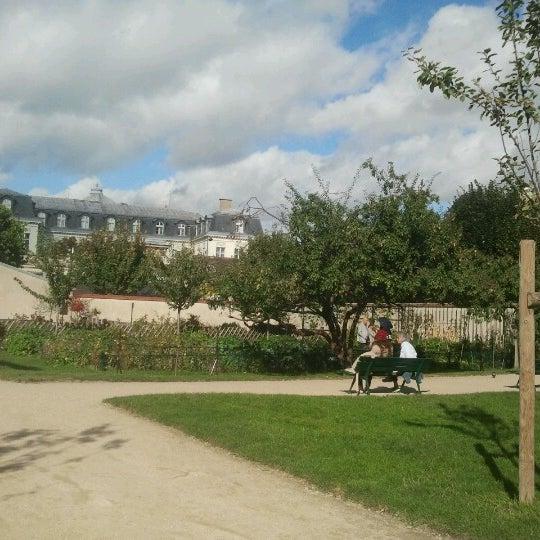Jardin catherine labour garden in paris - Jardin catherine laboure ...