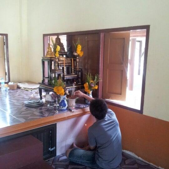 Photo taken at วัดสว่างอารมณ์ by CandO s. on 1/29/2013