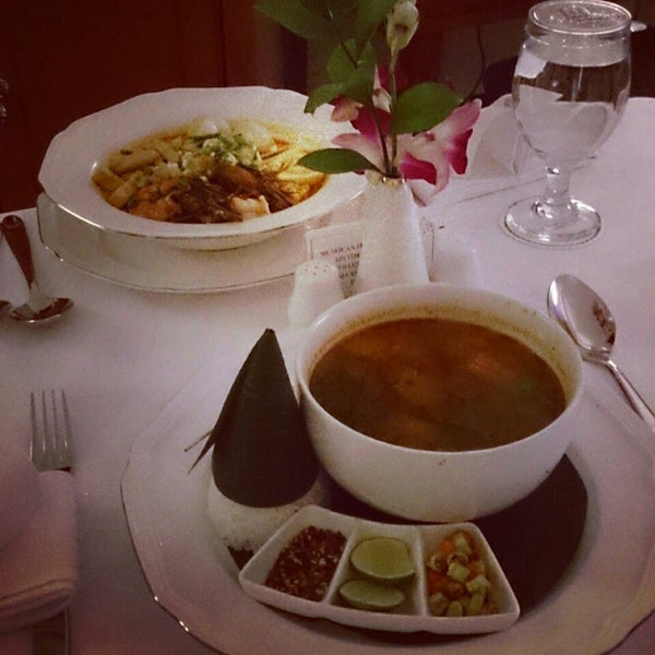 Photo taken at Sari Pan Pacific Jakarta by Wisda K. on 3/6/2014