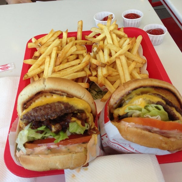 Photo taken at In-N-Out Burger by Pepsi B. on 9/8/2013