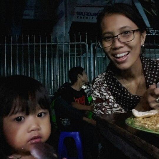 Photo taken at Pondok Bakmi Surabaya by Anwar F. on 2/27/2015