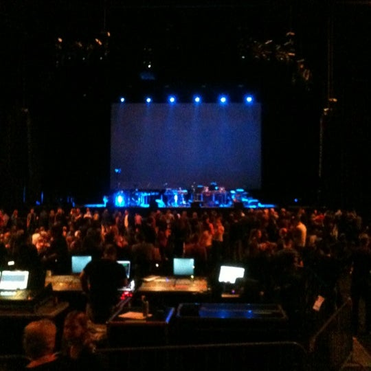 Photo taken at Heineken Music Hall by Koen d. on 11/10/2012