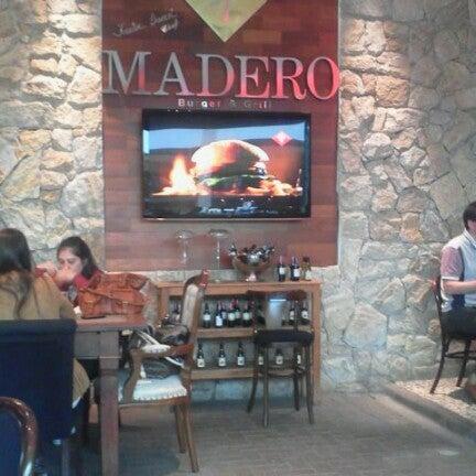 Photo taken at Madero Burger & Grill by Rafael O. on 9/22/2012