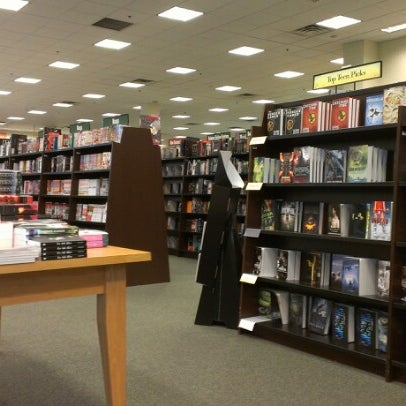 Photo taken at Barnes & Noble by Shane H. on 10/2/2012