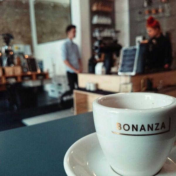 Photo taken at Bonanza Coffee by Gonçalo M. on 6/1/2015