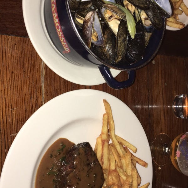 The filet mignon w/ peppercorn sauce and frites is really a must!!