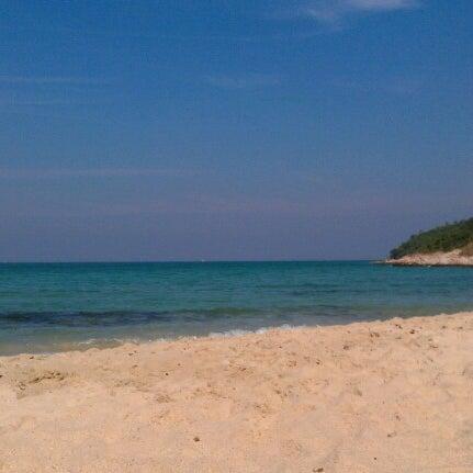 Photo taken at หาดทรายแก้ว (Sai Keaw Beach) by Sergey Z. on 12/25/2012