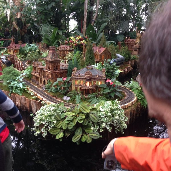 Photo taken at Enid A. Haupt Conservatory by Wanda on 12/23/2013