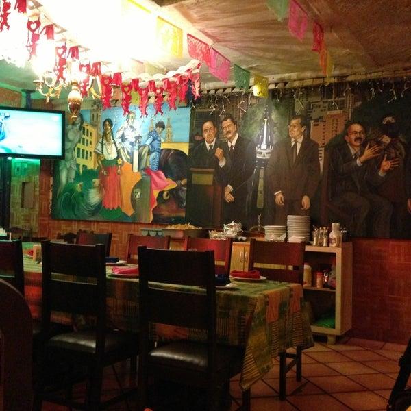 Los presidentes restaurant bar restaurante mexicano for Los azulejos restaurante mexicano