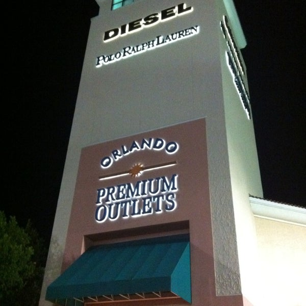 Photo taken at Orlando Premium Outlets - Vineland Ave by Claudia Sachie O. on 3/7/2013