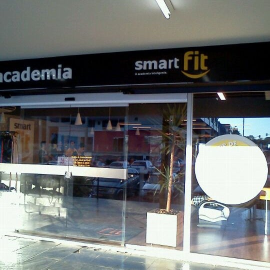 Photo taken at Academia Smart Fit by Frederico P. on 7/22/2011