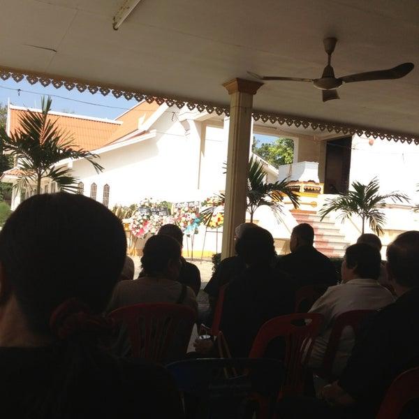 Photo taken at วัดดอนตูม บ้านโป่ง by Title T. on 12/27/2012