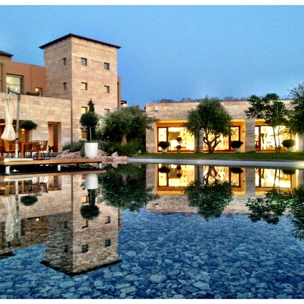 Where's Good? Holiday and vacation recommendations for Costa Navarino, Греция. What's good to see, when's good to go and how's best to get there.