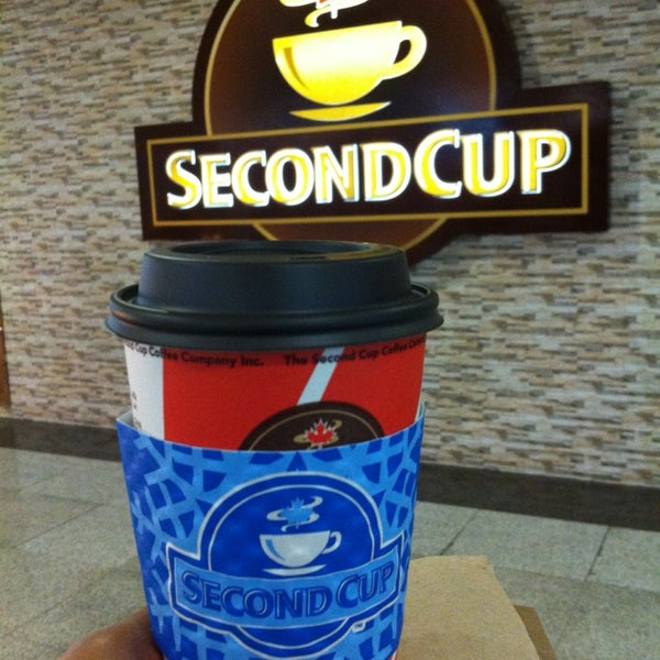 Photo taken at SECOND CUP by Marwa A. on 10/11/2013