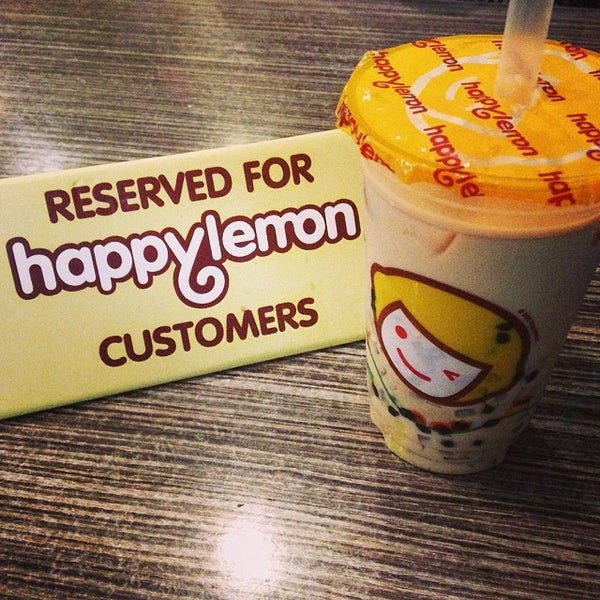 Photo taken at Happy Lemon by Louie D. on 3/30/2014