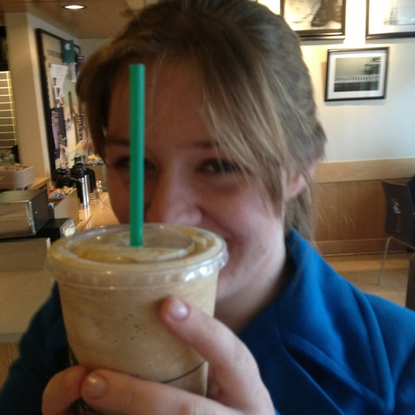 Photo taken at Starbucks by Jazmine on 1/15/2013