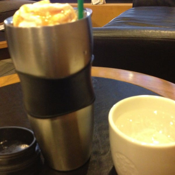 Photo taken at Starbucks (สตาร์บัคส์) by Thanudcha N. on 3/31/2013