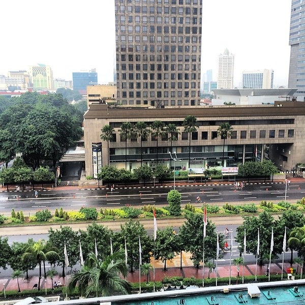 Photo taken at Sari Pan Pacific Jakarta by Max D T. on 2/23/2014