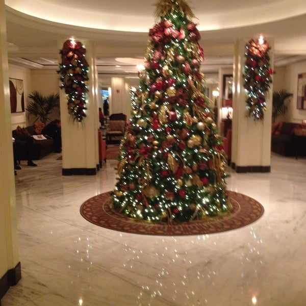 Photo taken at Omni Berkshire Place by Steve A. on 12/3/2013