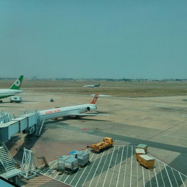 Photo taken at Tan Son Nhat International Airport (SGN) by Julli M. on 2/19/2013