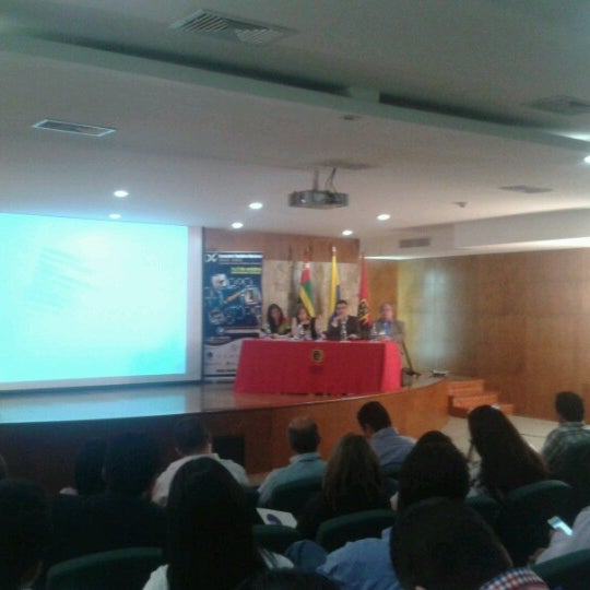 Photo taken at Universidad Pontificia Bolivariana - Seccional Bucaramanga by Roberto C. on 10/1/2012