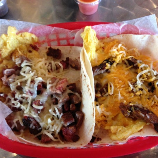 Photo taken at Torchy's Tacos by Gilberto gilly boy L. on 11/29/2012