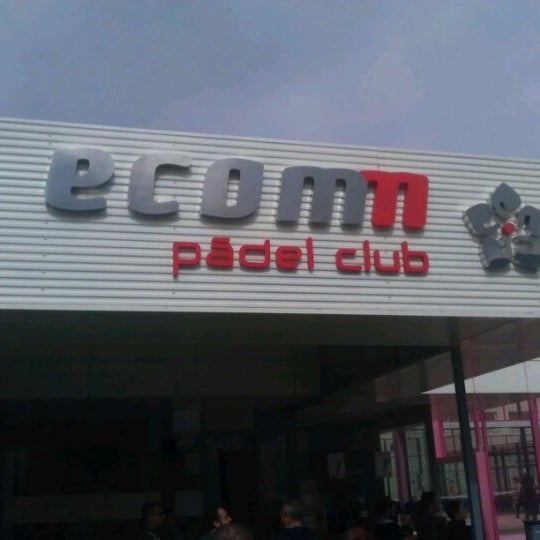 Photo taken at Ecommpadel by Gente d. on 3/16/2013